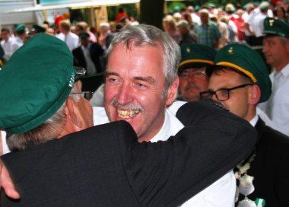 Chefsache für den Vorsitzenden: Martin Hüls ist Dorfkönig