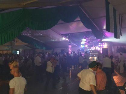 Die Tanzfläche ist immer noch voll